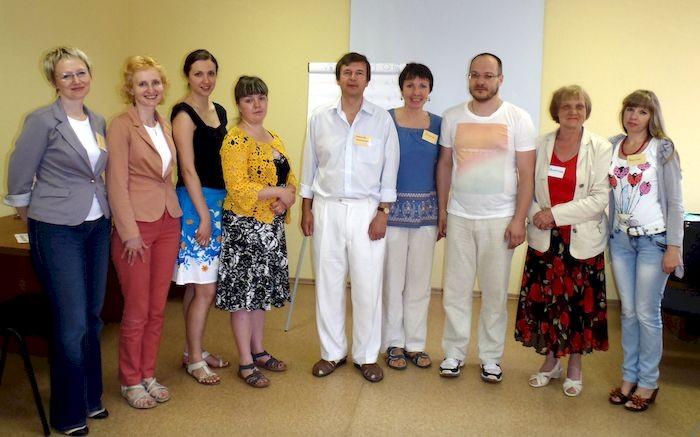 Александр Букалов и Ольга Карпенко со студентами продвинутого курса по соционике
